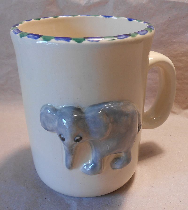 tasse relief elefant t pferei lattner. Black Bedroom Furniture Sets. Home Design Ideas
